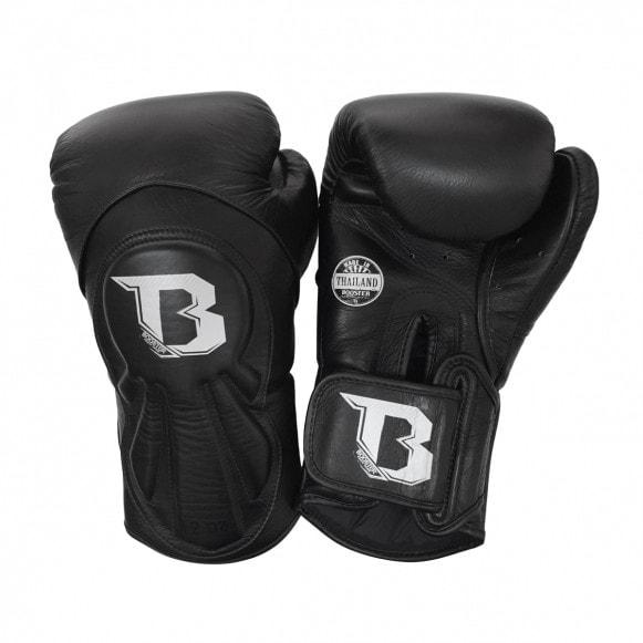 Zwarte kickbokshandschoenen van Booster Pro, de BGL 1 V8.