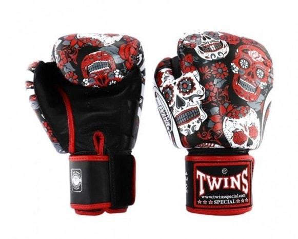 Twins kickbokshandschoenen, de Fantasy 4 Skull Red.